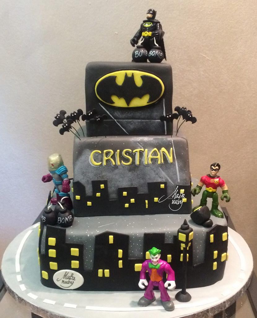 Torta Cake Design Batman : I nostri lavori: torte e dolci per battesimi, nozze ...